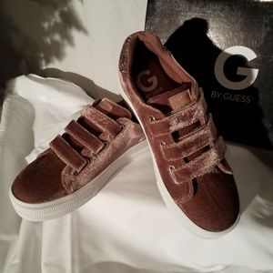 Guess Chello Velvet Sneakers Sz 8.5